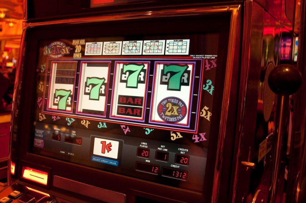En cent spillemaskine i et Las Vegas Casino. Disse billige maskiner giver en masse sjov for få penge.